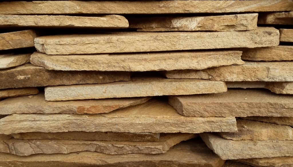 Облицовка камина - какой материал выбрать?