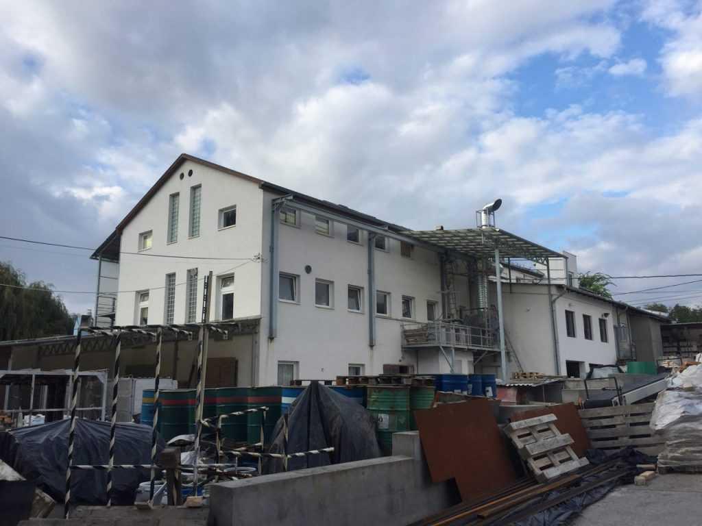 Завод по производству изразцов в Венгрии