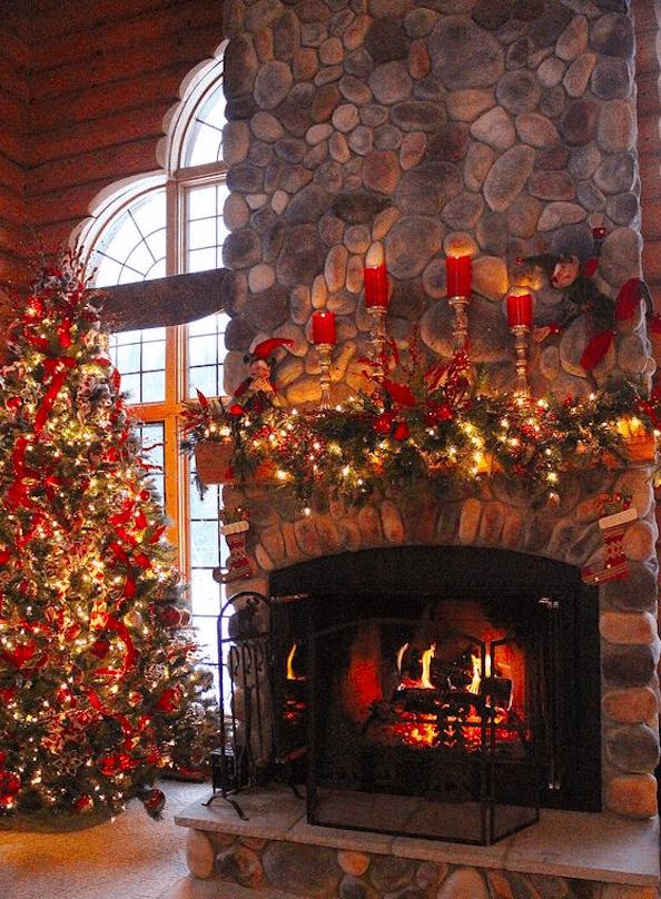 Как украсить камин на Новый год и Рождество